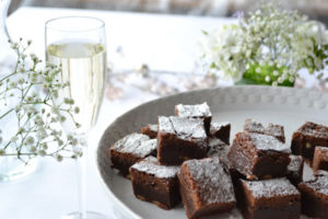 Fine champagne and Chocolate brownies